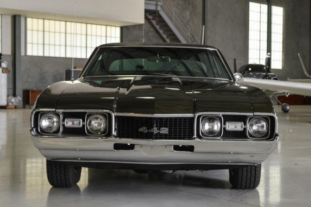 1968 Oldsmobile Cutlass 442 Holiday Coupe44