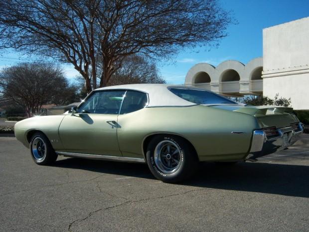 1969 Pontiac GTO Hardtop Coupe-13