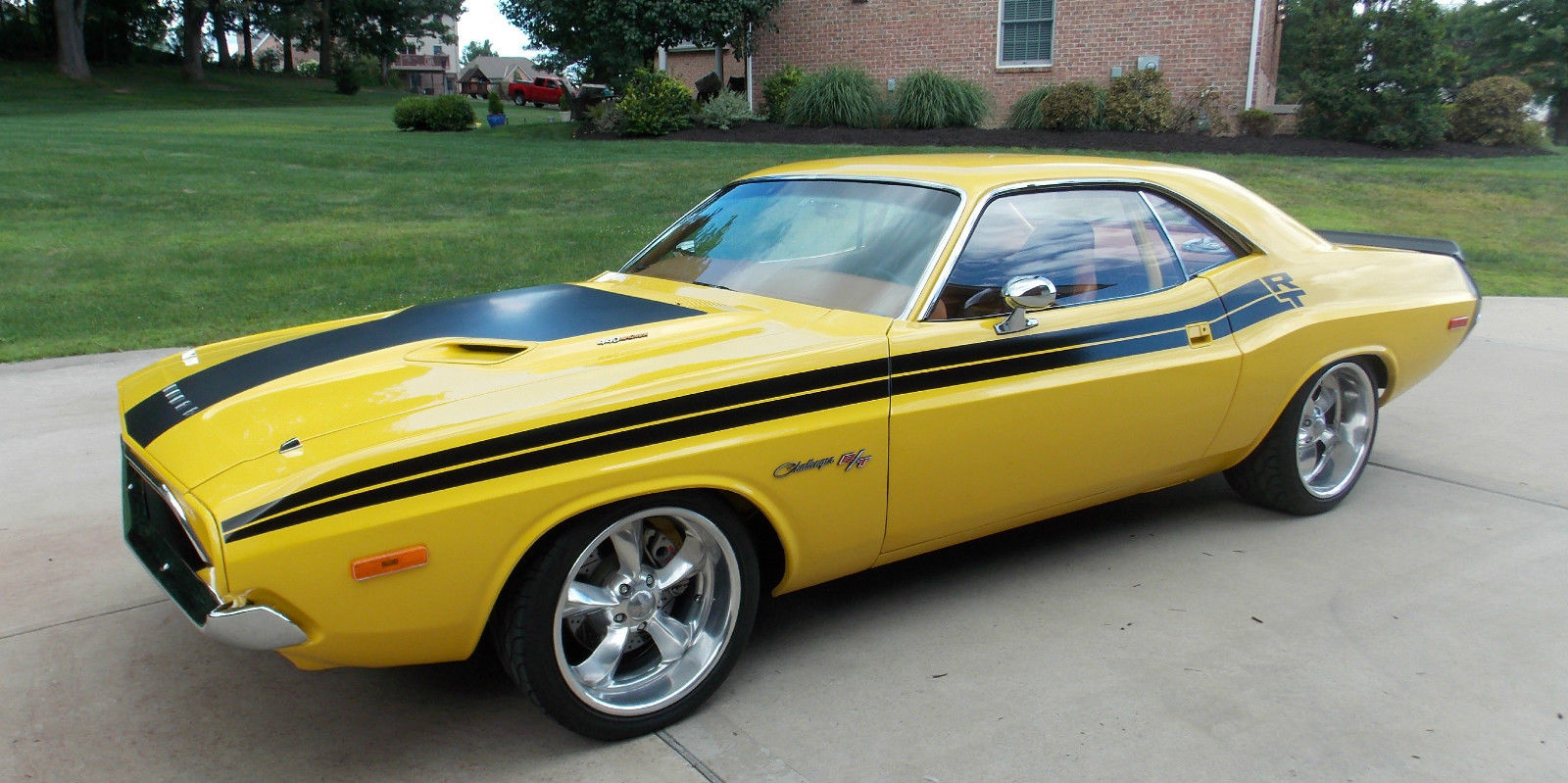 1974 DODGE CHALLENGER RESTOMOD-13