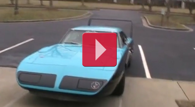 Nascar Tribute Plymouth Superbird with 800hp