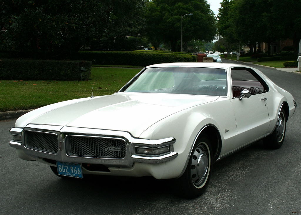 Oldsmobile Toronado COUPE6