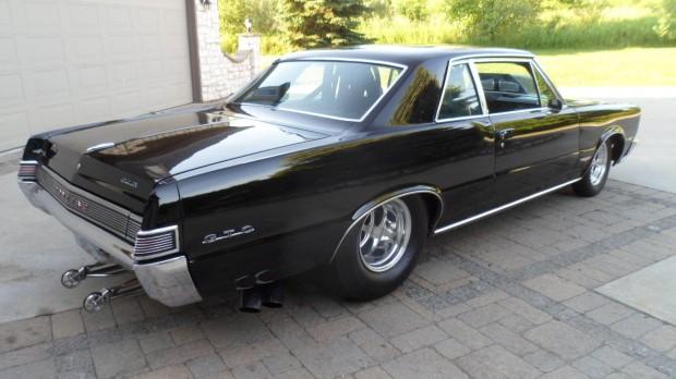 1965 Pontiac GTO3