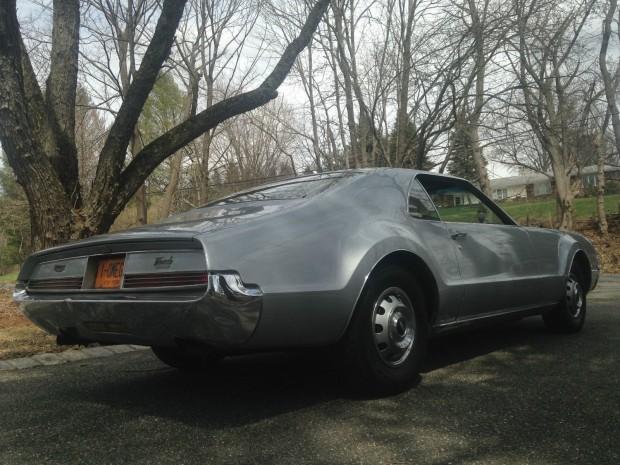1966 Oldsmobile Toronado Deluxe-15435345