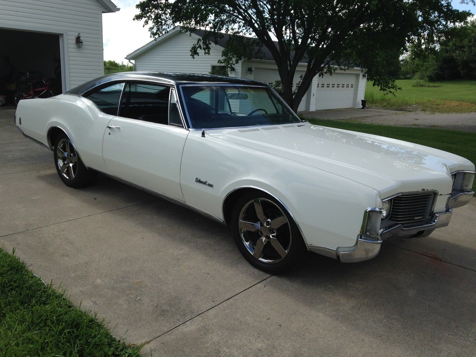 1968 Oldsmobile Delmont 88 455 7.5L 2 Door-11