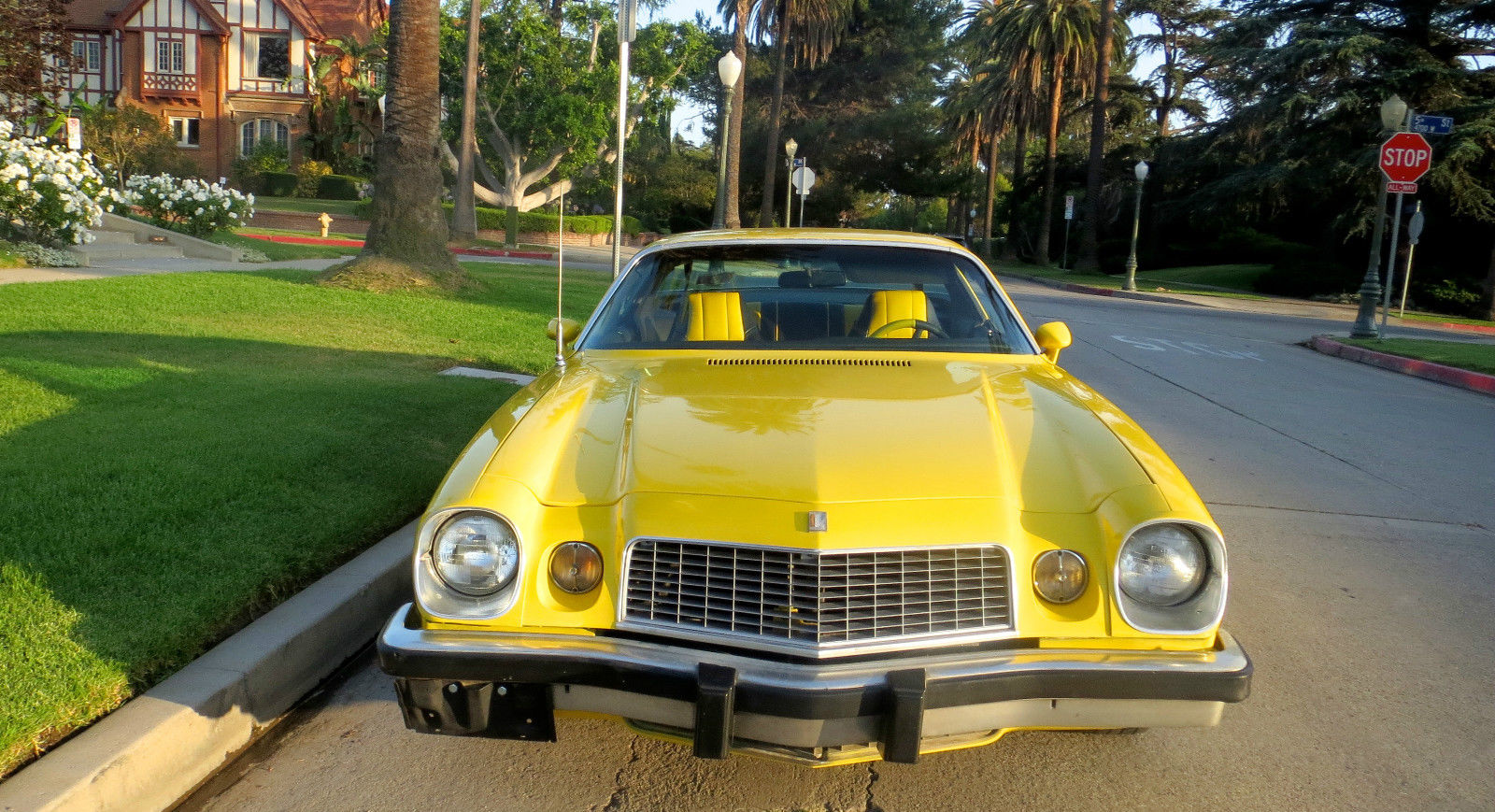1976 Chevrolet Camaro LT 5 7L 350 Daytona yellow - Muscle Car