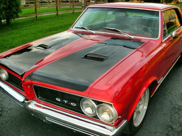 1964-Pontiac-GTO-11