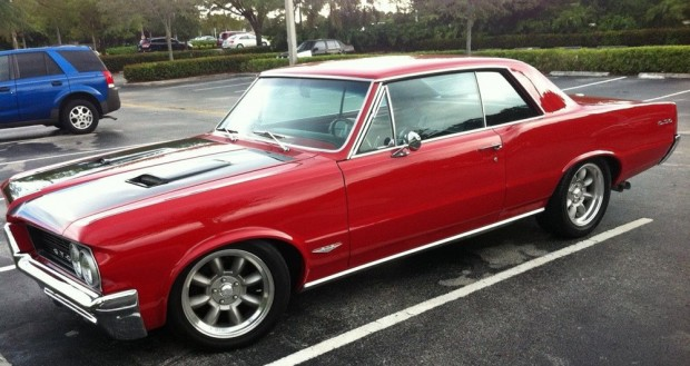 1964-Pontiac-GTO-12