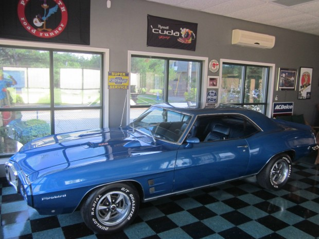 1969 Pontiac Firebird-11