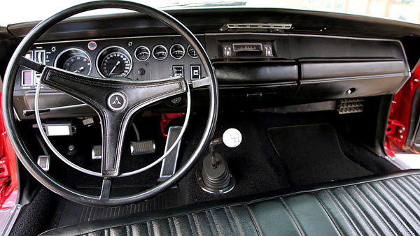 1968-Dodge-Coronet-Super-Bee-426-Hemi-dsfiug141