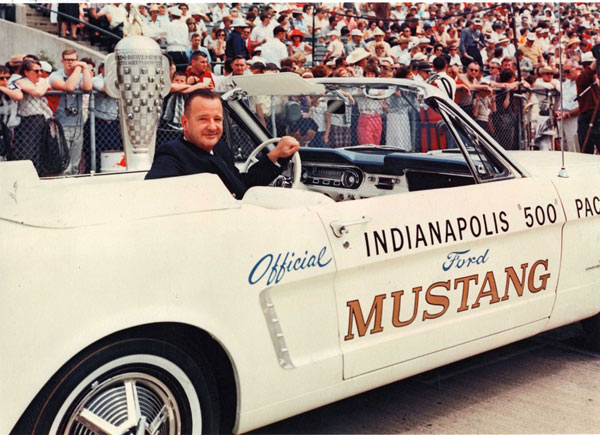 1964-Ford-Mustang-Pace-Car-fegkjg156