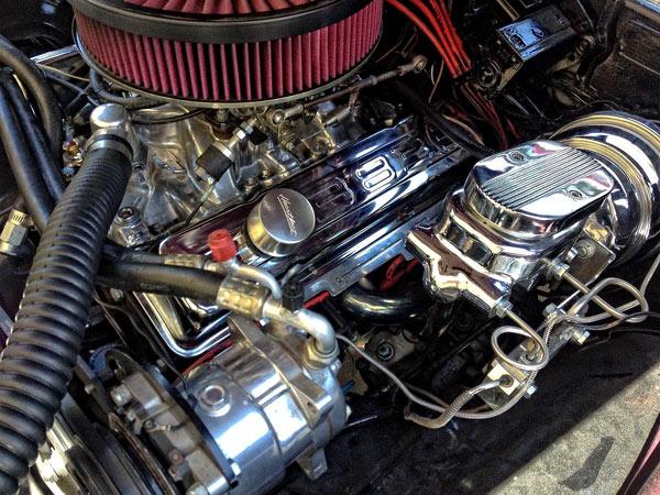 1968-Chevrolet-Camaro-restomod-hotchkis-jkhg11221