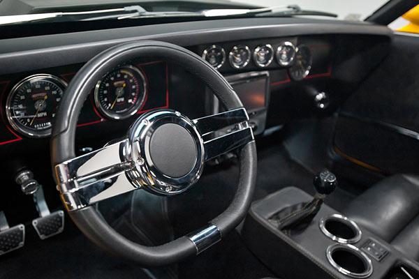 1970-Ford-Mustang-Boss-Snake-Pro-Touring-520-HEMI-13