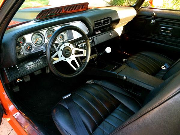 1972-Chevrolet-Camaro-PRO-TOURING13