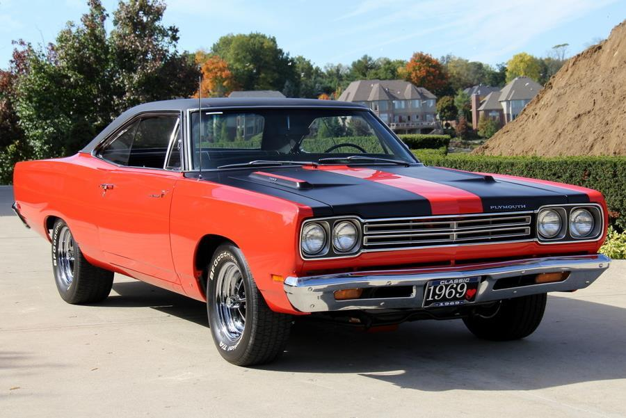 1969 Plymouth Roadrunner 383 4 Speed.1