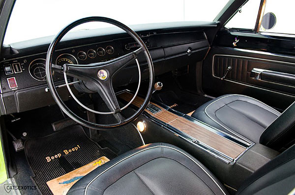 1970-Plymouth-Road-Runner-Superbird-440-Six-Pack-1345345