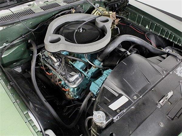 1970-Pontiac-GTO-The-Judge-Canadian-Built-13