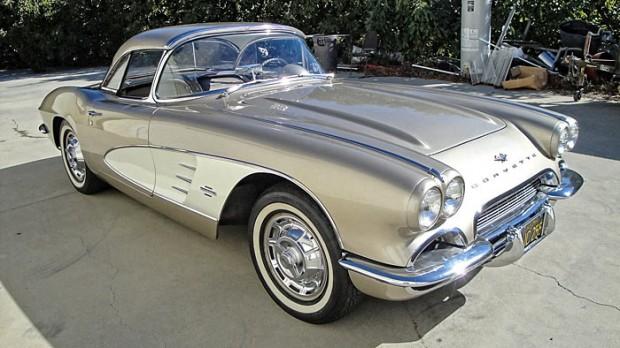 1961-Chevrolet-Corvette-283-230HP-1
