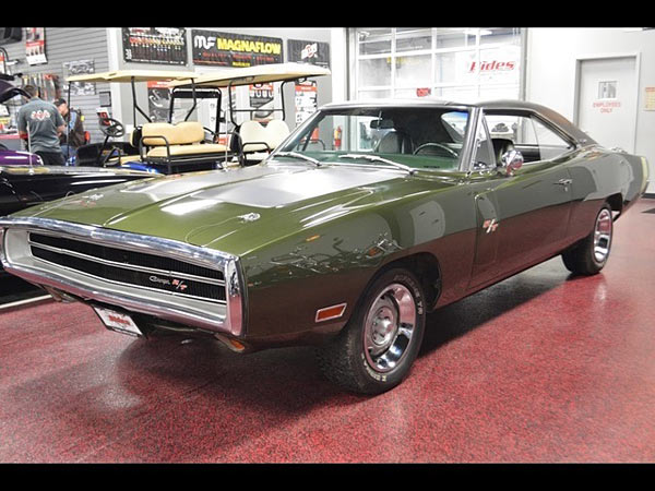 1970 Dodge Charger R/T V Code 440 6 Pack 4 Speed