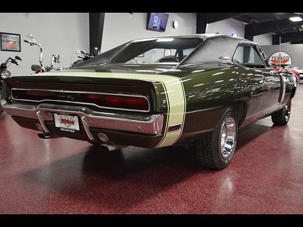 1970 Dodge Charger R/T V Code 440 6 Pack 4 Speed3