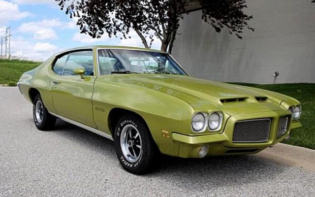 Classic-1971-Pontiac-GTO-400ci-2
