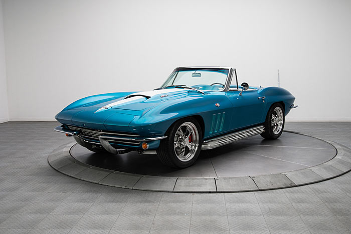 1965-Chevrolet-Corvette-Sting-Ray-1