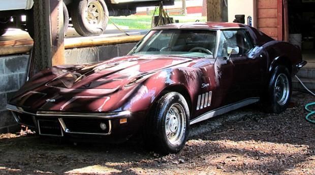 1969-Chevrolet-Corvette-1