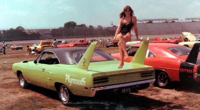 Retro-Muscle-Cars-Girls-By-Dave-Pomerleau-141