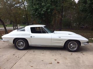 1963-Corvette-Stingray-Split-Window-123