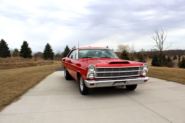 1966-Ford-Fairlane-GT-13