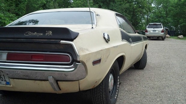 1970-Dodge-Challenger-TA-340-6-Pack-Matching-13