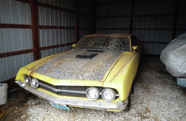 1970-Ford-Torino-Barn-Find-1