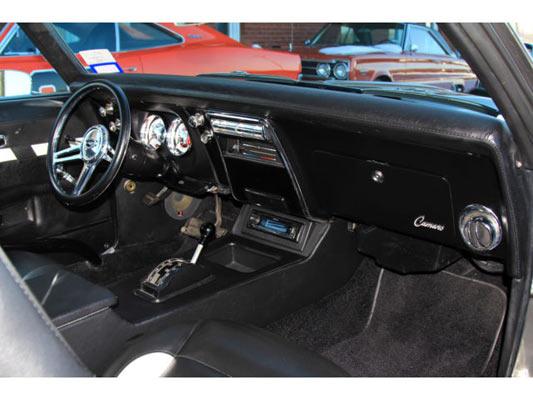 1968-Chevrolet-Camaro-RS-Pro-Touring-15