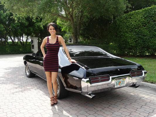 1969-Pontiac-GTO-Black-on-Black-1546546