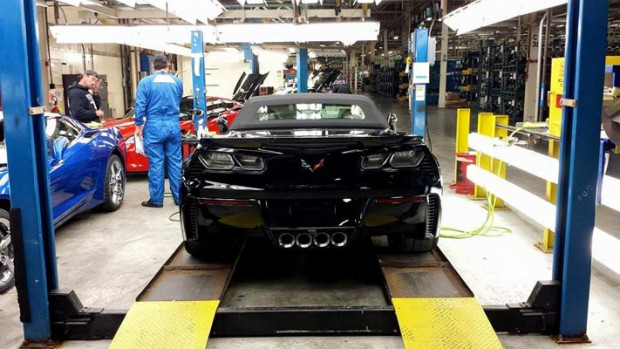 Mary-Barra,-GM-CEO,-Receives-Awesome-Corvette-Z06-13453