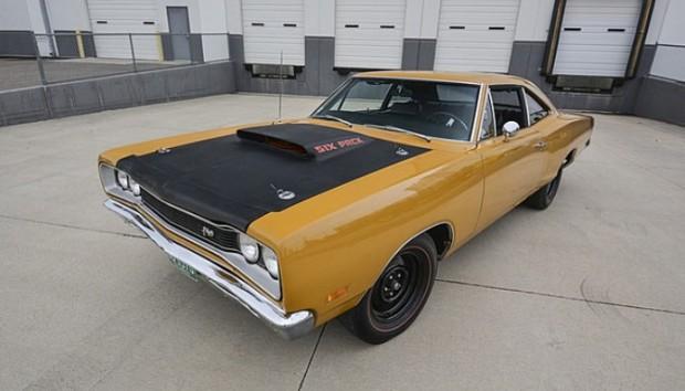 1969-Dodge-Super-Bee,-440-Six-Pack1764565