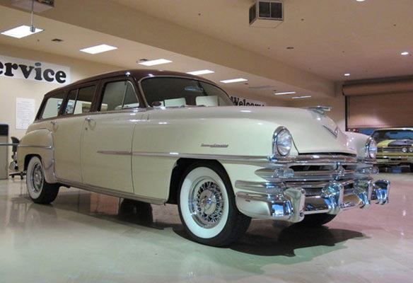 1953-Chrysler-Town-&-Country-1