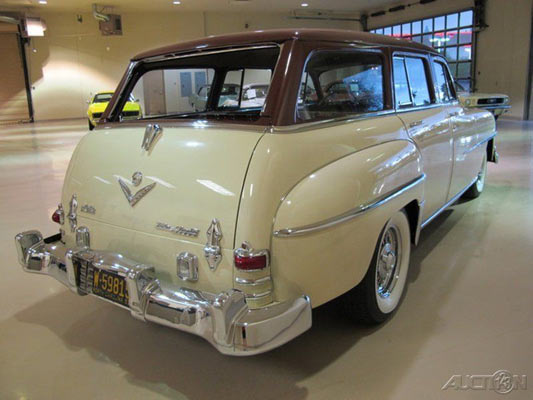 1953-Chrysler-Town-&-Country-13