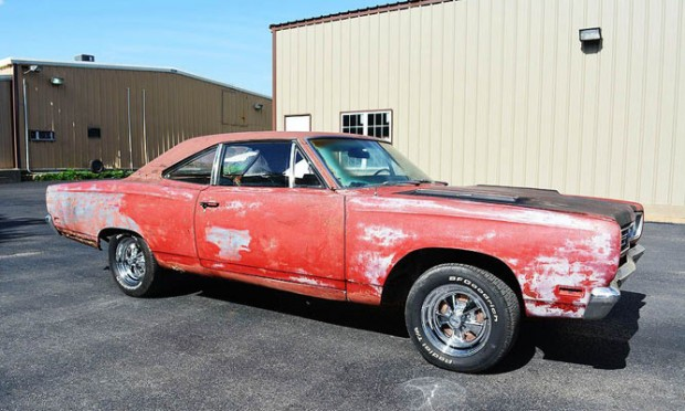 1969-Plymouth-Roadrunner-11