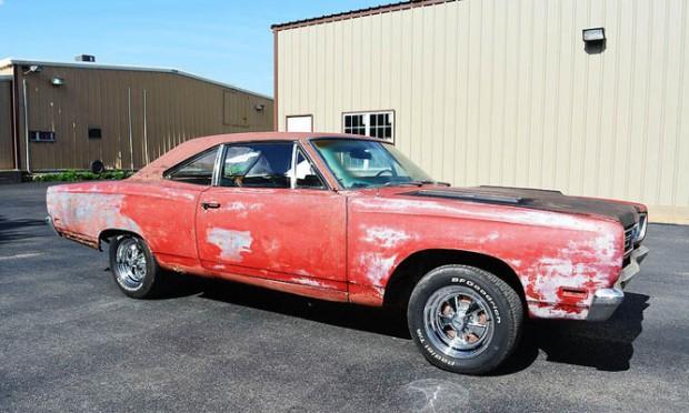 1969-Plymouth-Roadrunner-11