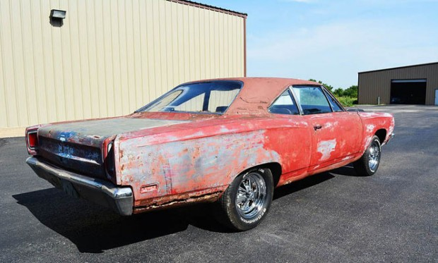 1969-Plymouth-Roadrunner-16
