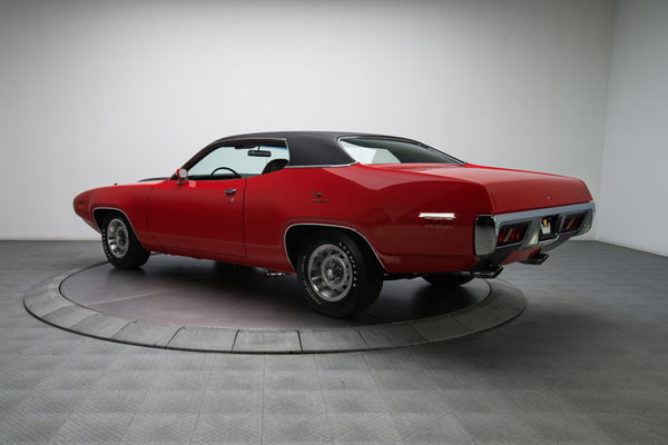 1971-Plymouth-Road-Runner-013