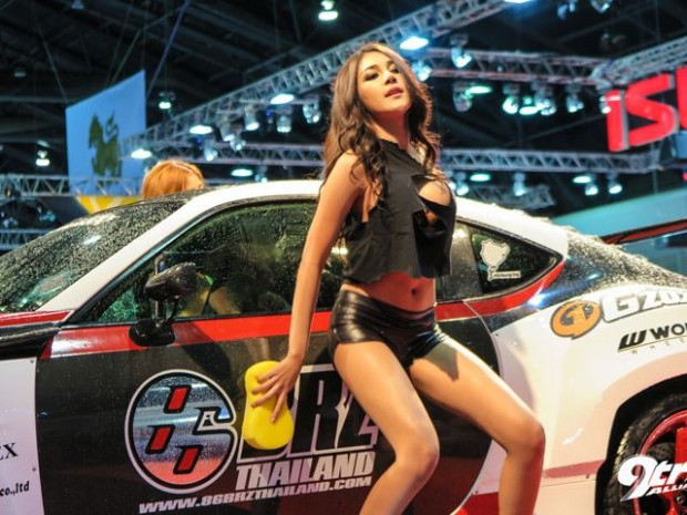 Bangkok Auto Show Gets Wet-1657657567345345
