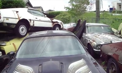 Japans-American-Muscle-car-graveyard-45345