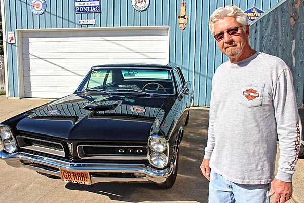 Loving-a-Pontiac-GTO-65yg