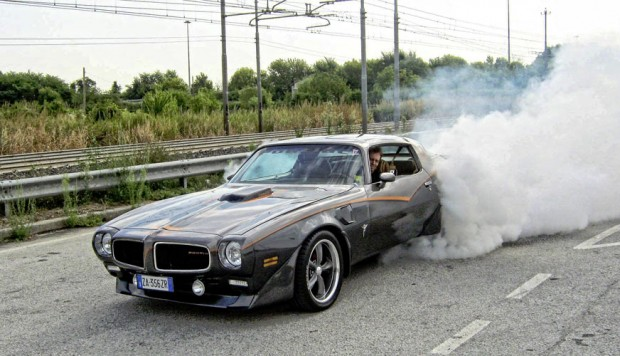Pontiac-TransAm-Burnout-By-Massimo-Marchiori-456456