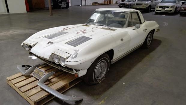 1963-Chevrolet-Corvette-Convertible-6765564