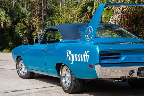 1970-Plymouth-Road-Runner-Superbird-5672