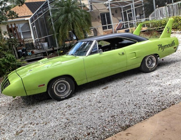 1970-Plymouth-Roadrunner-Superbird-440-567671