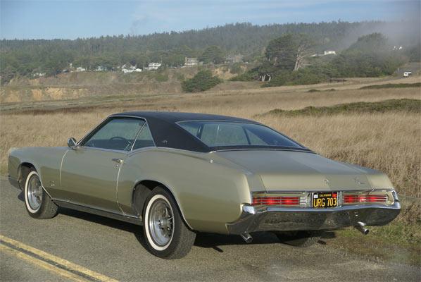 1967-Buick-Riviera-54645
