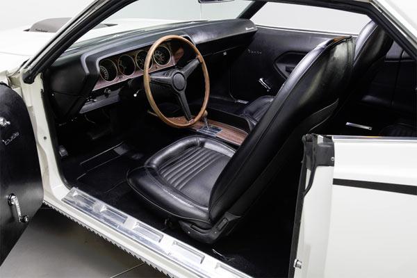 1970-Plymouth-Barracuda-426-HEMI-13